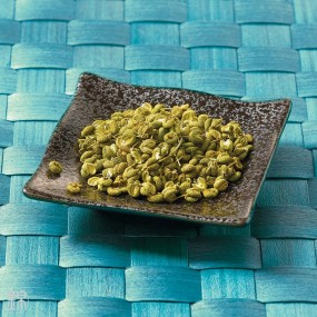 Dried green Sansho grape berries