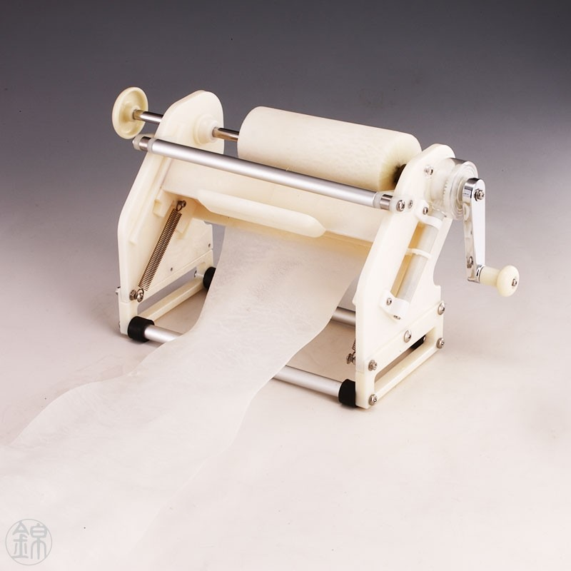 Katsuramuki slicing machine for thin strips of vegetables Material