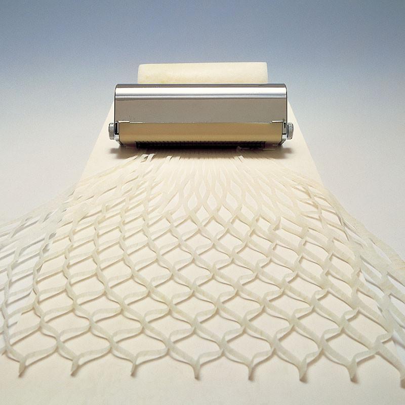 Tairyo Amikiri tool for cutting mesh Material