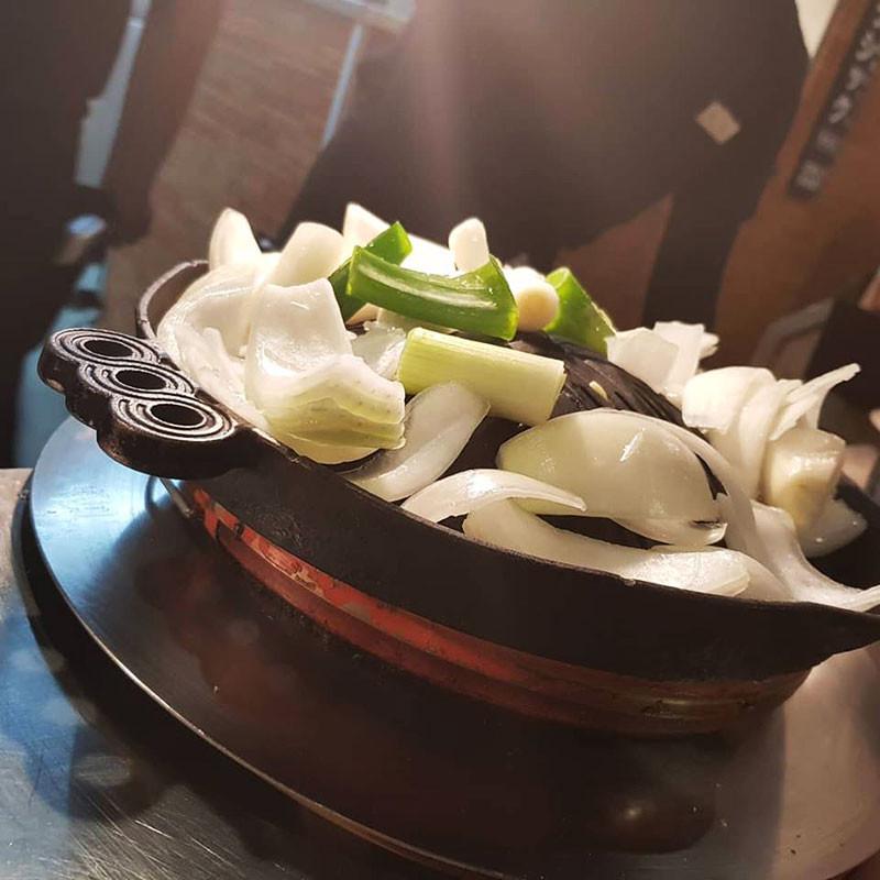 Plaque Genghis Khan barbecue Poêles à omelette japonaise et plaques de cuisson spéciales