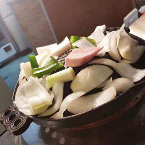 Plaque Genghis Khan barbecue ajourée Poêles à omelette japonaise et plaques de cuisson spéciales