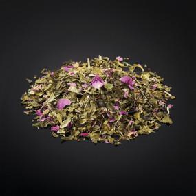 Mélange de thé vert, bouton de rose destructuré et safran