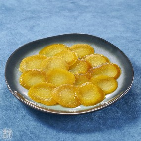 Natsumikan mandarine citrus bark slices preserved in syrup