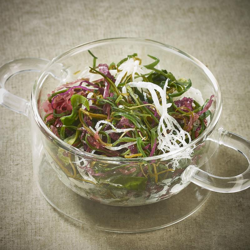Premium seaweeds salad Kombu