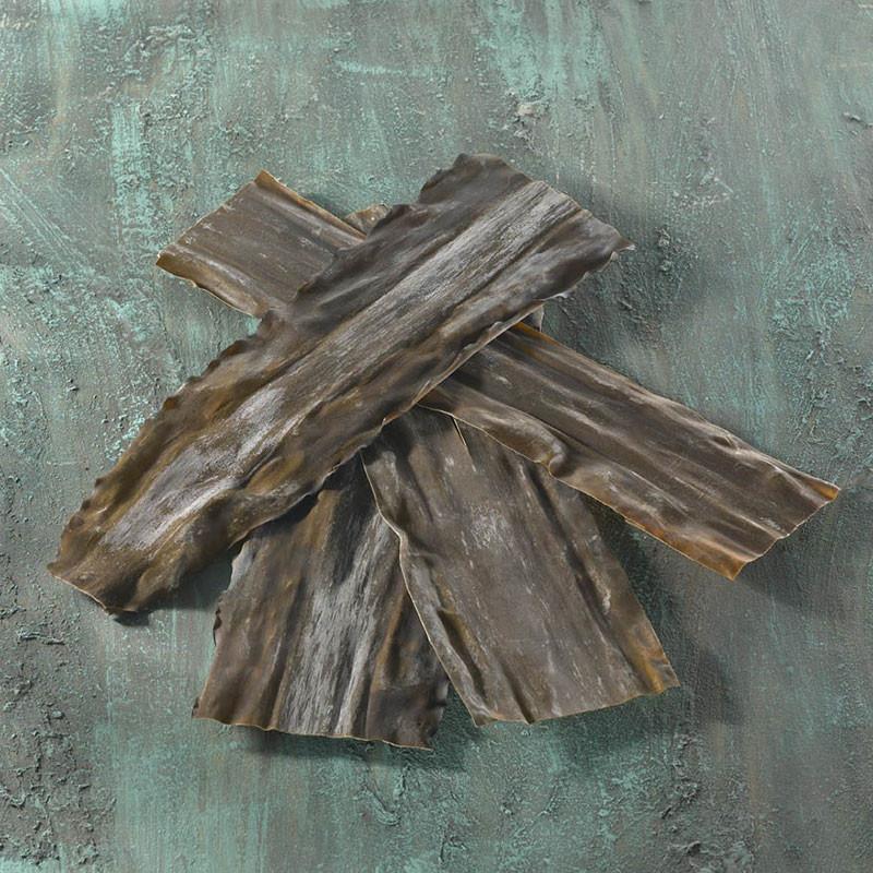 Unsorted wild Rishiri Kombu seaweed Seaweeds