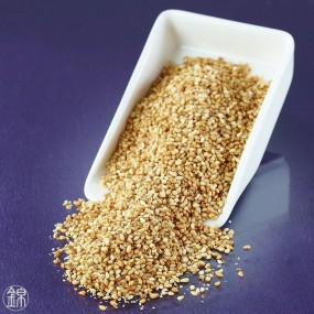 Roasted sesame seeds flavored with dried bonito Katsuobushi